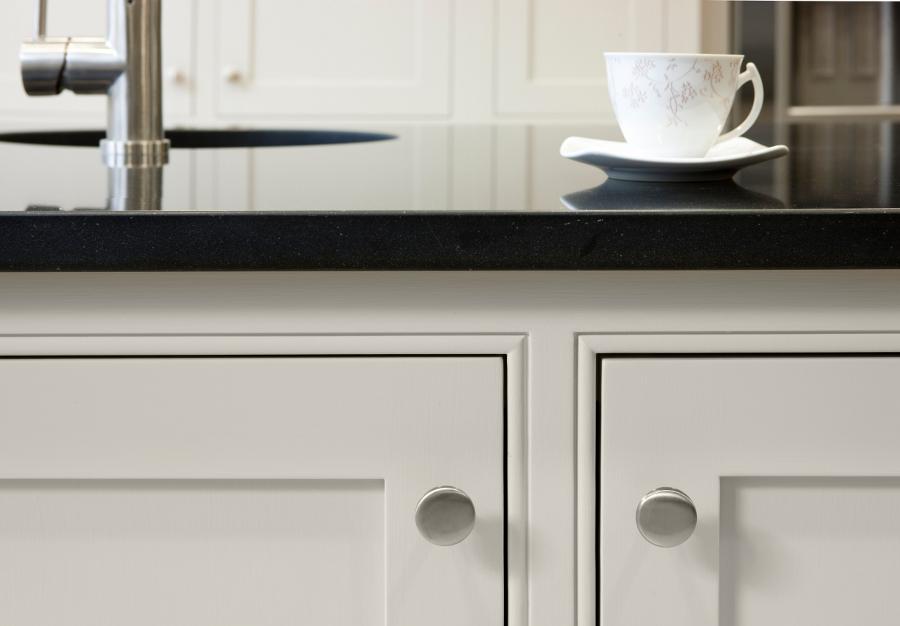 Madera s lida del gabinete de cocina de laca moderno for Estilos de gabinetes de cocina modernos
