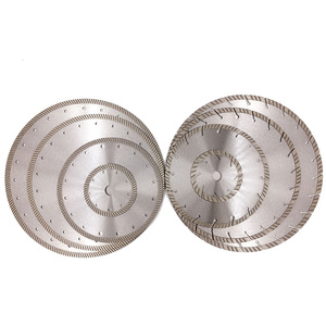 Bright segmented diamond cutting disc for marble and granite