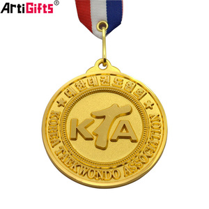 Factory direct sale cheap custom plate golden new medal and trophy
