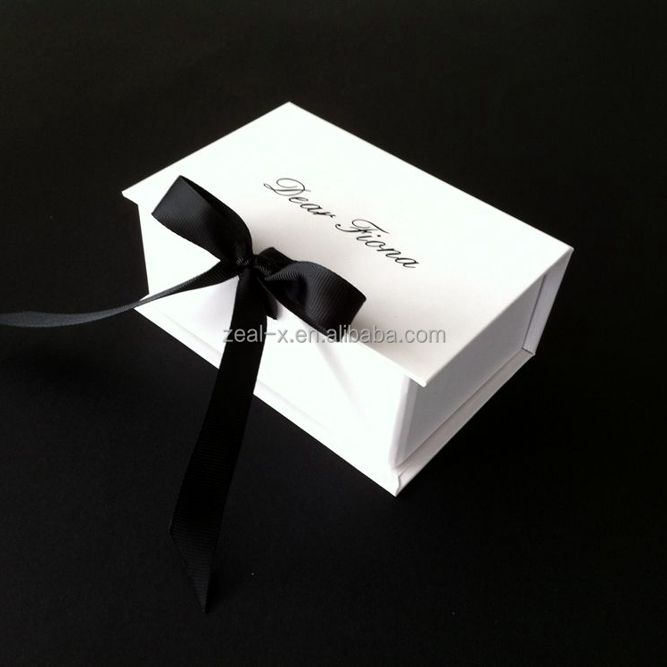 Good quality packaging factory customize white gift boxes with grossy custom logo
