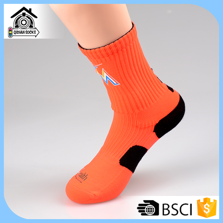 colourful cable outdoor sport wholesale argyle egyptian cotton socks holder basketball with custom logo basketball