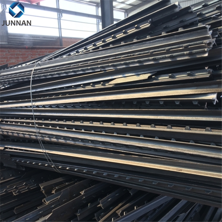 alibaba china supplier Low cost yard guard steel pipe fence panel