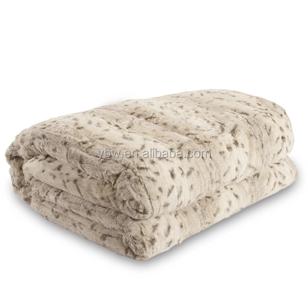 warm and thick faux fur throw blanket+sherpa blanket in animal spots design