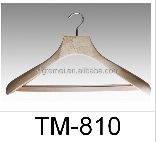 Beech wood natural colored suits hanger with locking bar TM-810