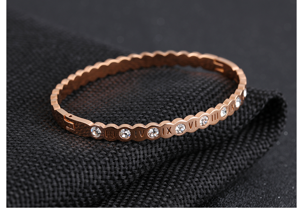 Wholesale New Design Women Stainless Steel Rose Gold Charm Rhinestone Bangle