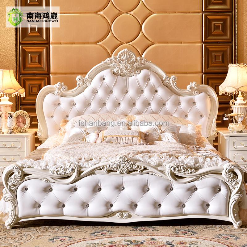Victoria Upholstered King Bed