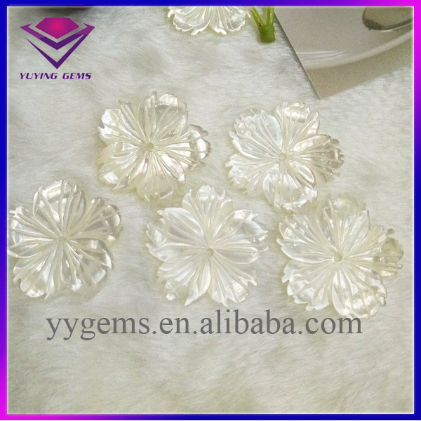 Wholesale Flower Shape Ivory White Natural Mother of Pearl Carving Shell Beads Pieces Price