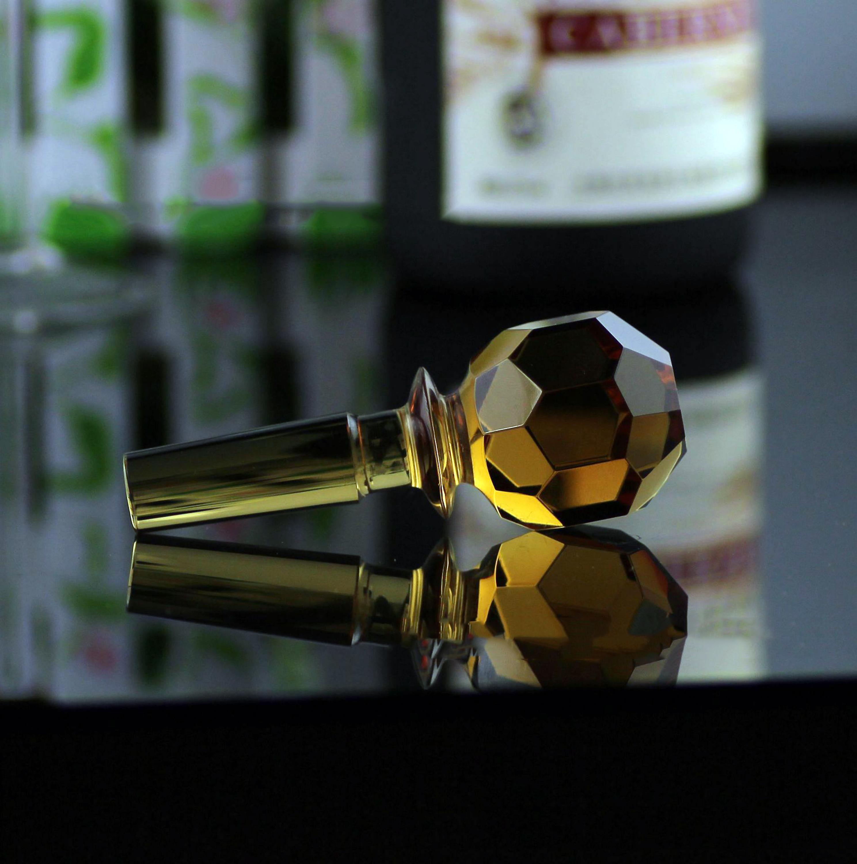 ขายส่งที่กำหนดเองแก้วคริสตัลบอลจุกขวดไวน์โลหะสำหรับตกแต่งขวดไวน์ของขวัญ