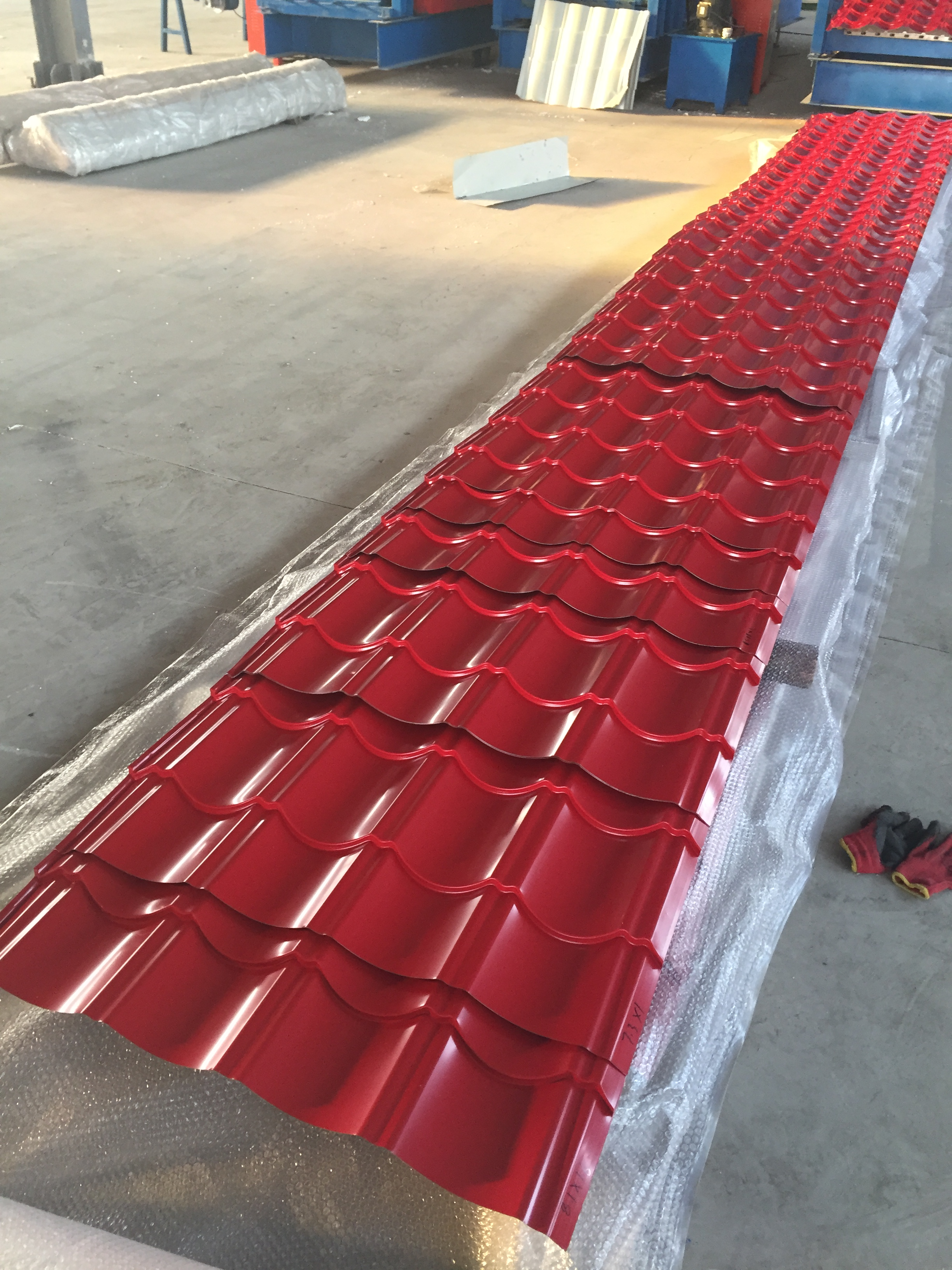 house steel materials 828 red galvanized glazed tile aluzink roof sheeting