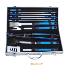Hot koop draagbare 11 stks barbecue tool draagbare <span class=keywords><strong>BBQ</strong></span> set met aluminium case