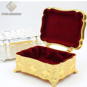 Tulip Design metal Gold Plated Square Shape decorative Rings Jewelry Box