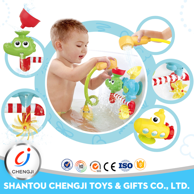 Enviroment friendly educational baby bathing sprinkler plastic toys for kids