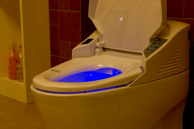 Intelligent Toilet With Water Jet Auto Operate Flushing S