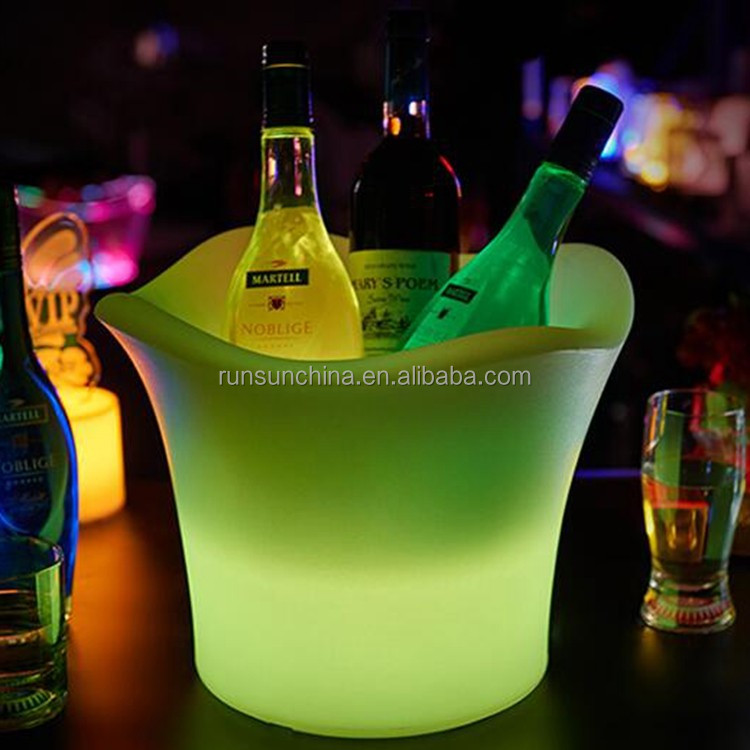 Night club beer ice bucket with beer, plastic led grey goose beer ice bucket