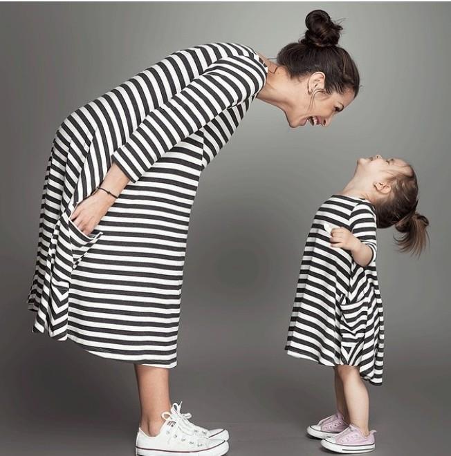 Женщины и детское платье детская родитель - ребенок платье внешней торговли в европе и в родитель - ребенок полосой платье юбка девушка Y07