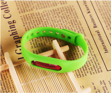 Most Popular Emerald Green Repellent bug Device home use Silicone Bands for insect