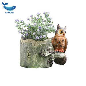 ZZW0043 HAOXUAN Factory Supply custom made decorative cute squirrel design resin crafts animal figurines