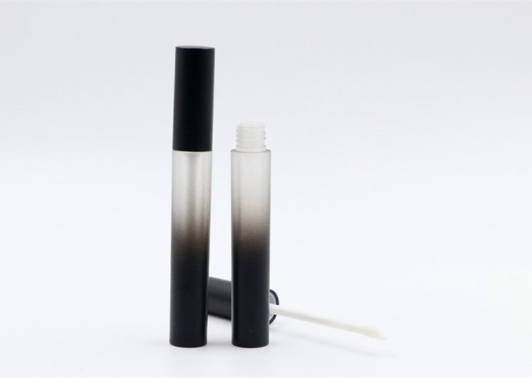 Hoge custom nieuwe stijl frosted lege gradiënt lipgloss buis/containers private label met applicator