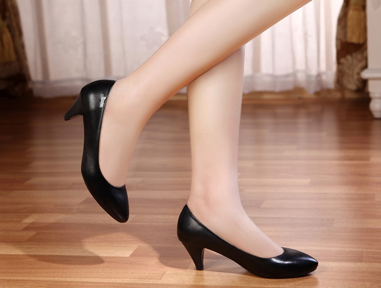 Hot Sales!! 2013 Fashion Cheap Wholesale Ladies Mid-heels Dress Shoes Women Sexy Black Heels Pumps Shoes Women OL Court Shoes