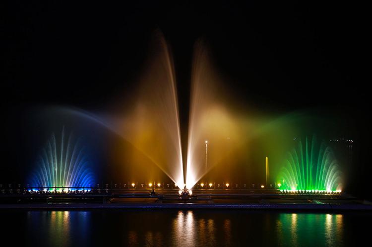 Decorative outdoor garden dancing musical water fountains