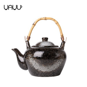 New product chinese glossy antique shape ceramic tea pot with wood handle