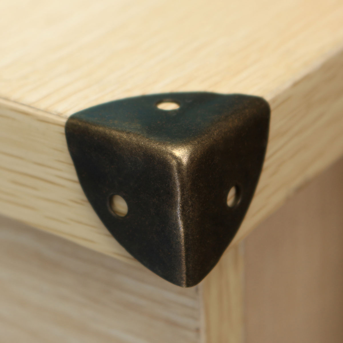 protection coin table. Black Bedroom Furniture Sets. Home Design Ideas