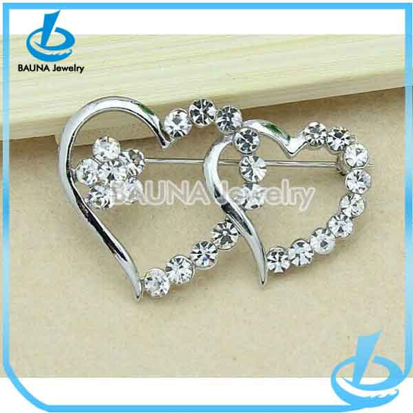 New arrival fancy silver plated cluster rhinestone double heart shape brooch for bridal