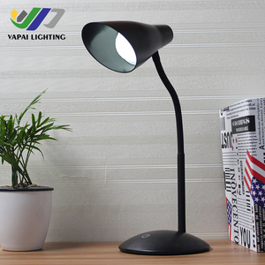 VAPAI white or black 5w CCC CE study office modern flower shape table reading led desk lamp