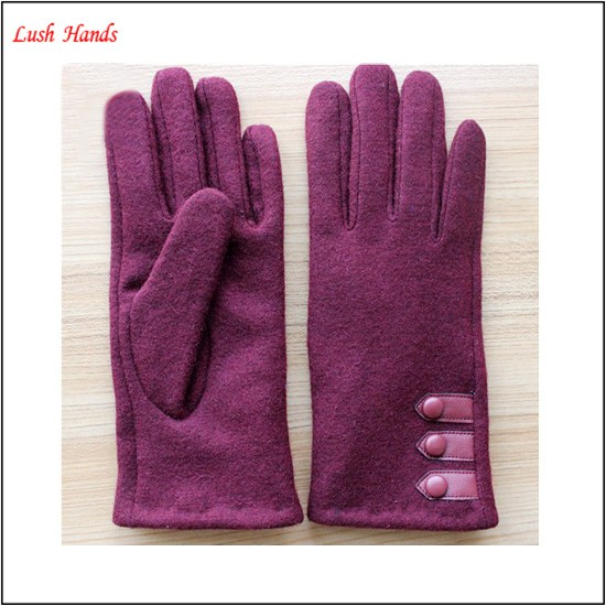 Women's 100% woolen gloves with according color buttons