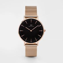 Men's D Shape Classic Quartz Man Watch