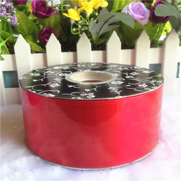 Hot sale red plastic ribbon for outdoor christmas decorations