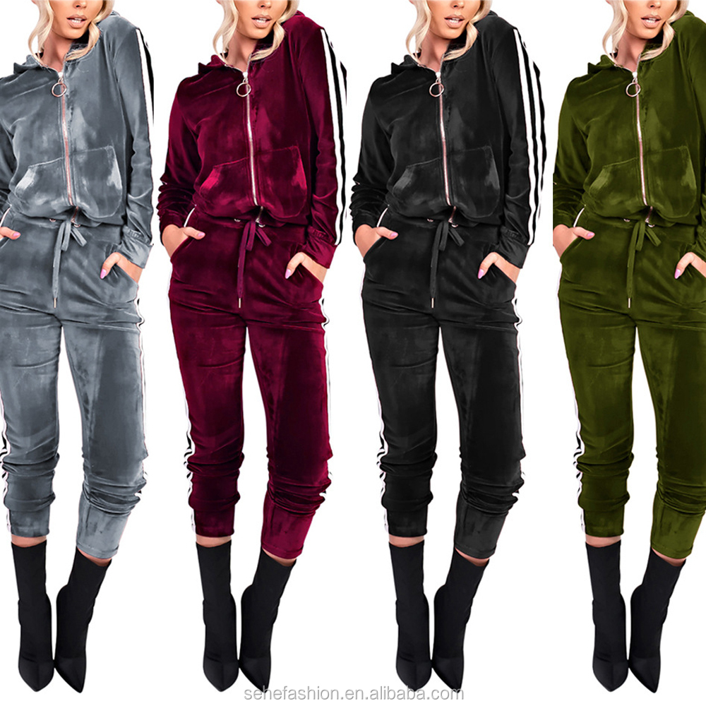 1012-13 3 colors lady thick velvet jumpsuit with hood фото