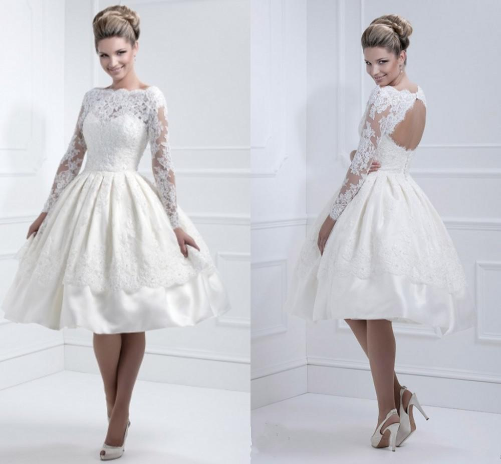 Old Fashioned 1950s Lace Wedding Dress Embellishment