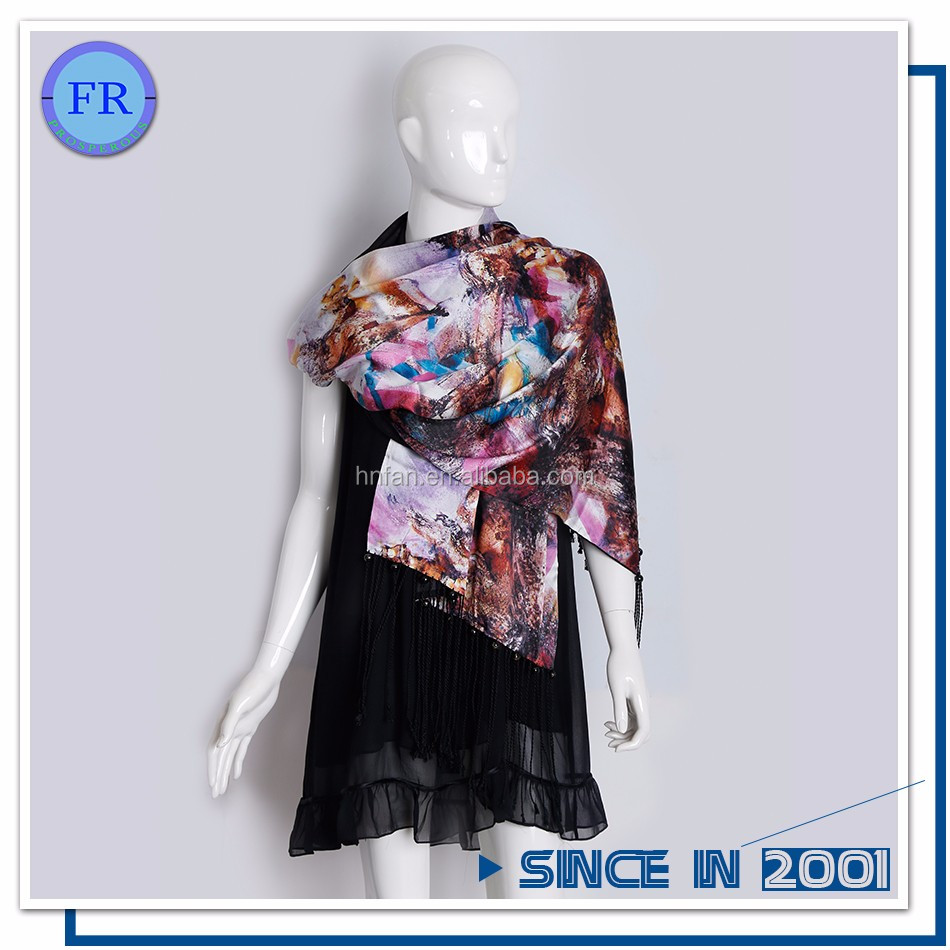 Chinese hot selling 100%silk newest ladies printed scarf square
