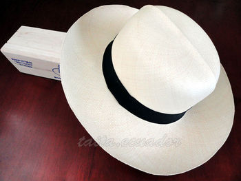 9863cec60 Genuine Montecristi Optimo Straw Panama Hat - Extra Fino All Sizes - Buy  Genuine Montecristi Panama Hat Product on Alibaba.com