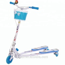 Freestyle stand up kids 3 ruote di scooter/scooter calcio per il bambino/vendita calda scooter calcio <span class=keywords><strong>12</strong></span> con PU ruote