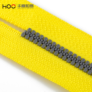 Wholesale china factory 5# long chain silver teeth plastic zipper