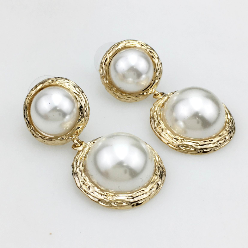 HANSIDON Big Simulated <strong>Pearl</strong> <strong>Stud</strong> <strong>Earrings</strong> For Women Fashion Jewelry Vintage Metal Punk <strong>Earrings</strong> Pendientes