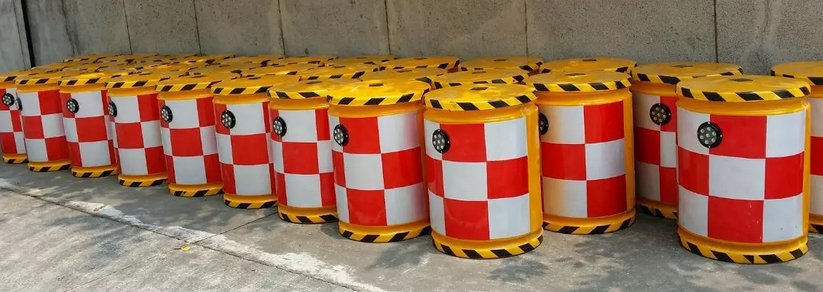 Elegant appearance hot sale outstanding colorful plastic traffic barrel
