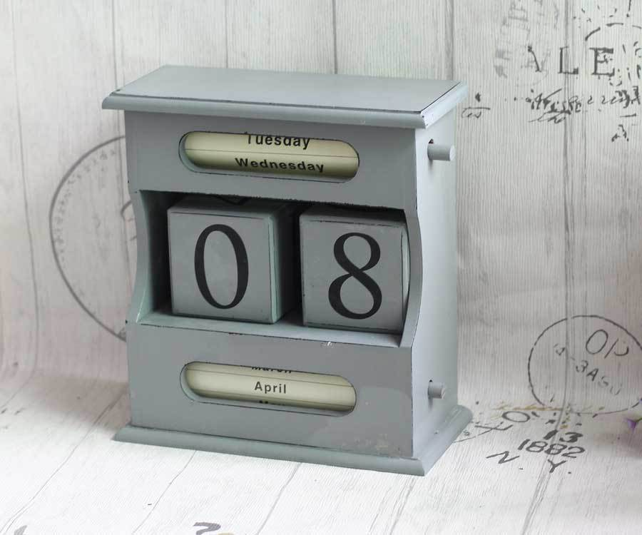 d84467b010 American Country Home Furnishing Ornaments Retro Wooden Calendar Desktop  Decoration - us453
