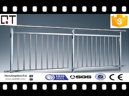 top quality pendestrian safety hot dip galvanized or stainless steel railing