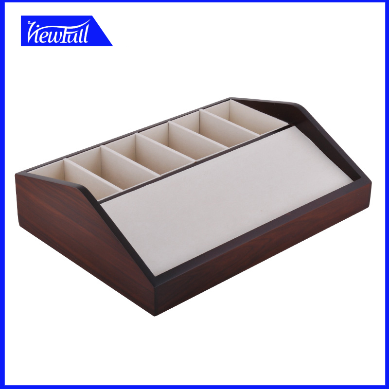 fashional design wooden exhibition leather belt display case
