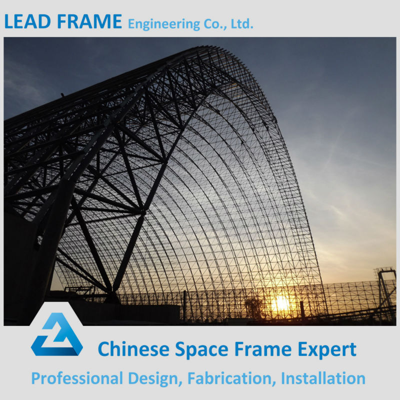 Column-free flexible floor space frame steel truss