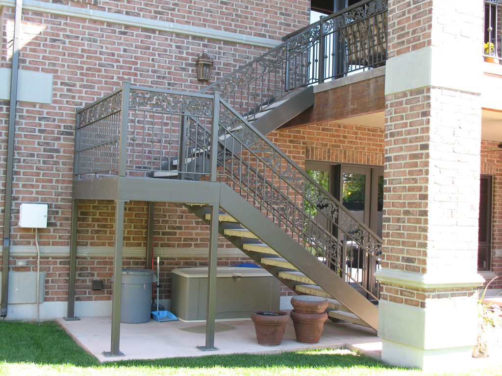 Outdoor Carbon Steel U Shaped Spiral Stair Cast Iron