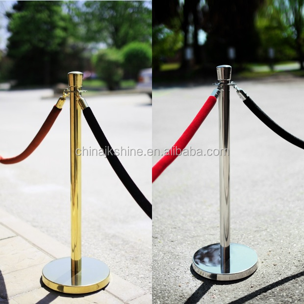 Bestseller Wedding Red Carpet Control Line Post Ball Head Chrome Queue Pole Hanging Ropes Stanchions Price