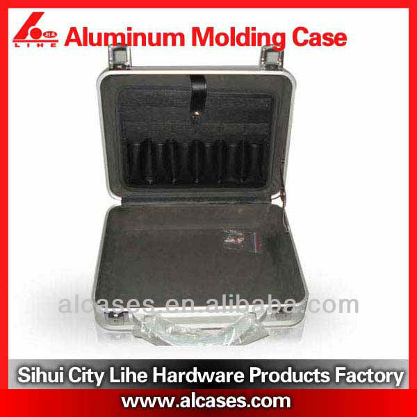 Jointless small aluminum case with equipment die cut design unibody