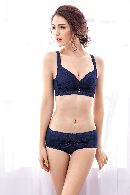 Junior girl underwear model bra panties rare good