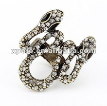 Charm Pearsonality Retro Double Head Snake Ring Finger
