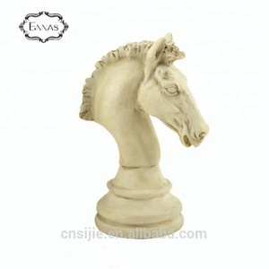 Factory wholesale decoration resin horse head Chess figurine on base