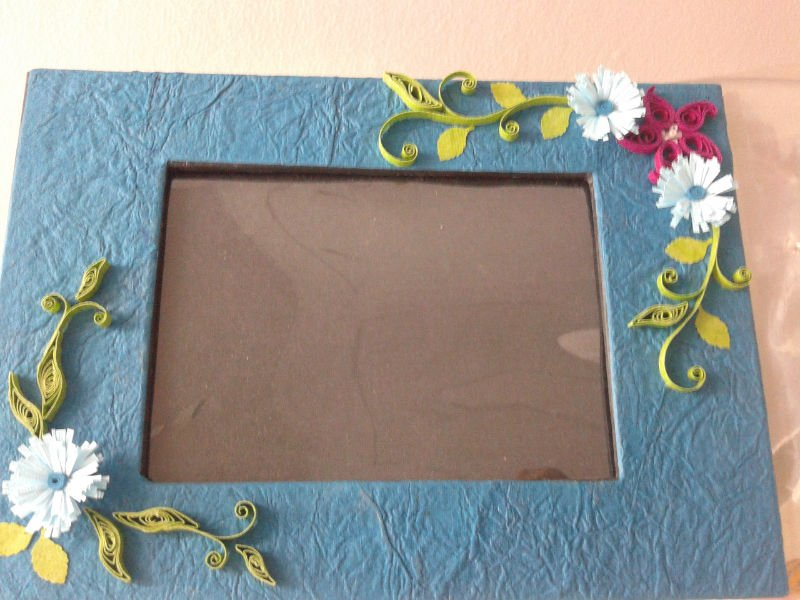 Handmade Quilled Photo Frame - Buy Handmade Paper Photo Frames ...